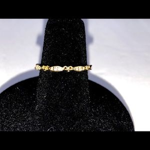 Exquisite dainty   100% 14k gold ring ,size 6.5